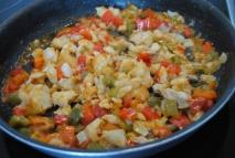 Bacalao con pimientos fritos y patatas