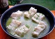 Bacalao en salsa verde al horno