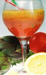 Batido de alcachofa, pepino, tomate y limón