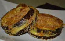 Berenjenas rellenas de queso y jamón, rebozadas