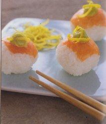 Bolitas de sushi de salmón ahumado