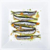 Boquerones marinados y cocidos