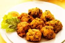 Buñuelos de merluza y espinacas