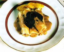 Canelones de perdiz con salsa de trufa