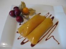 Canelones rellenos de frutas de otoño y chocolate