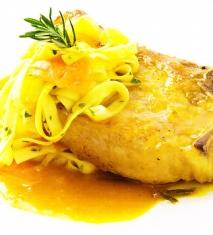 Chuleta de cerdo con naranja y pasta