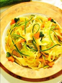 Cintas con zanahorias y calabacines