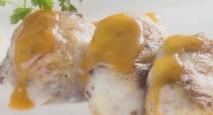 Crepinettes de patata, pies de cerdo y butifarra negra