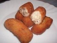 Croquetas de pollo y queso cremoso