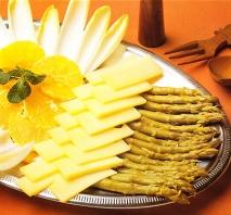 Endibias con queso y espárragos