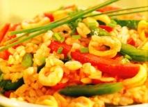 Ensalada de arroz con chipirones y pimientos
