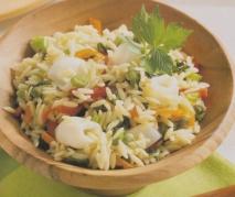 Ensalada de arroz con pimientos y calamarcitos