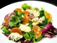 Ensalada de berros, mandarinas y queso gorgonzola