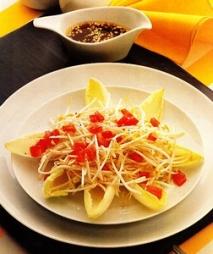Ensalada de endibias con brotes de soja