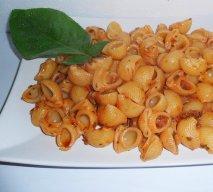 Ensalada de pasta con orégano