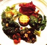 Receta de Ensalada de primavera con queso de cabra gratinado