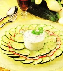 Ensalada refrescante de pepino y rábano