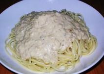 Espaguetis a la crema de trufa