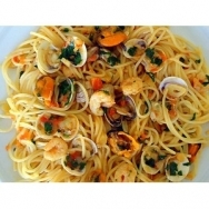 Espaguetis marinera con tomates