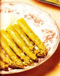 Receta de Espárragos en salsa chantilly caliente
