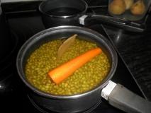 Estofado de soja verde con verduras trituradas