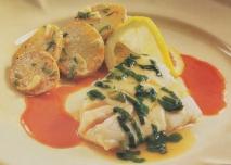 Filetes de pescado con salsa de pimientos