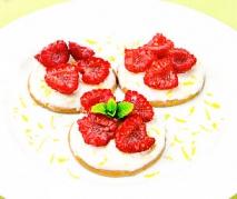 Receta de Galletas con crema de limón y frambuesas