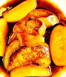 Hígado de pato con melocotón de viña