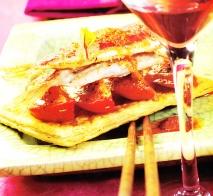Receta de Hojaldre de tomate con salmonetes y romesco