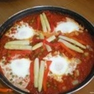 Huevos a la flamenca con verduras