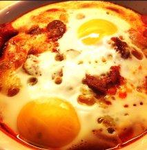 Huevos a la navarra con chorizo de Pamplona
