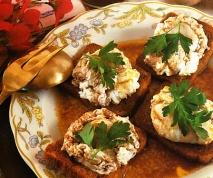 Huevos al nido escalfados al vino tinto con salsa
