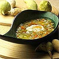 Huevos escalfados con verduritas