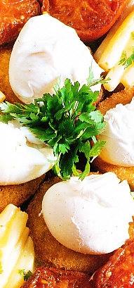 Huevos poché con espárragos