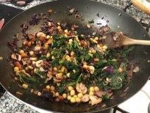 Kale con garbanzos y col lombarda