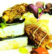 Receta de Lasaña de sepia y pasta fresca de tinta, salsa brutesca, arroz Venere con habitas tiernas y microvegetales