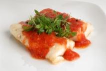 Lomo de merluza con tomate ajoarriero