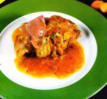 Manitas de cerdo en salsa
