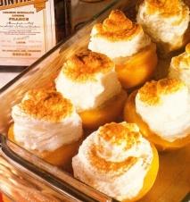 Melocotones con merengue
