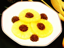 Mousse de chocolate con piña