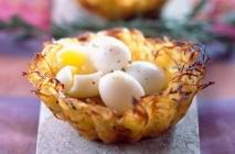 Nidos de huevo de codorniz y patata