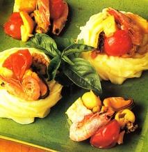 Nidos de patata con pescado guisado