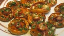 Níscalos (rovellones) al horno con ajo y perejil