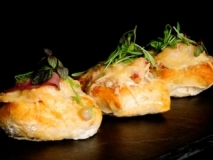Panecillos rellenos con crema de queso y champiñones