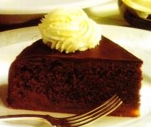 Pastel de albaricoques y chocolate