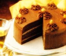 Pastel de crema de chocolate y avellanas