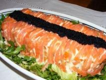 Pastel de marisco y salmón en microondas
