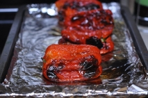 Pimiento asado relleno con picadillo de cerdo ibérico