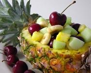 Piña con macedonia de frutas