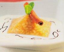 Receta de Pirámide de toffee de arroz y sopa de leche